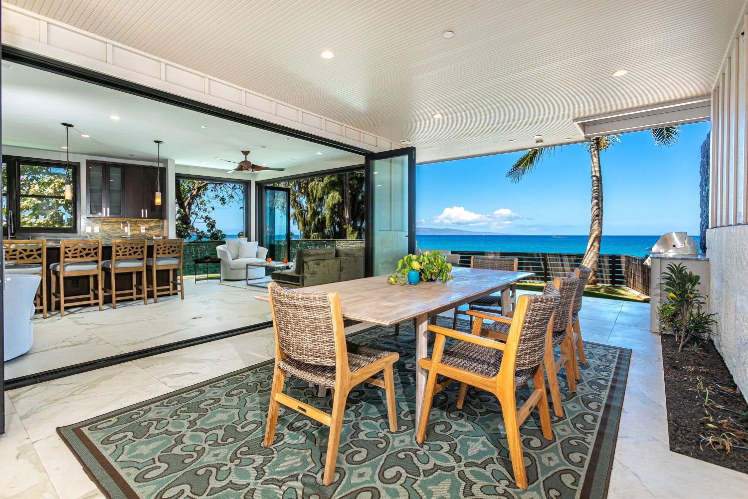 AUCTION IS OPEN | Maui Beach Place